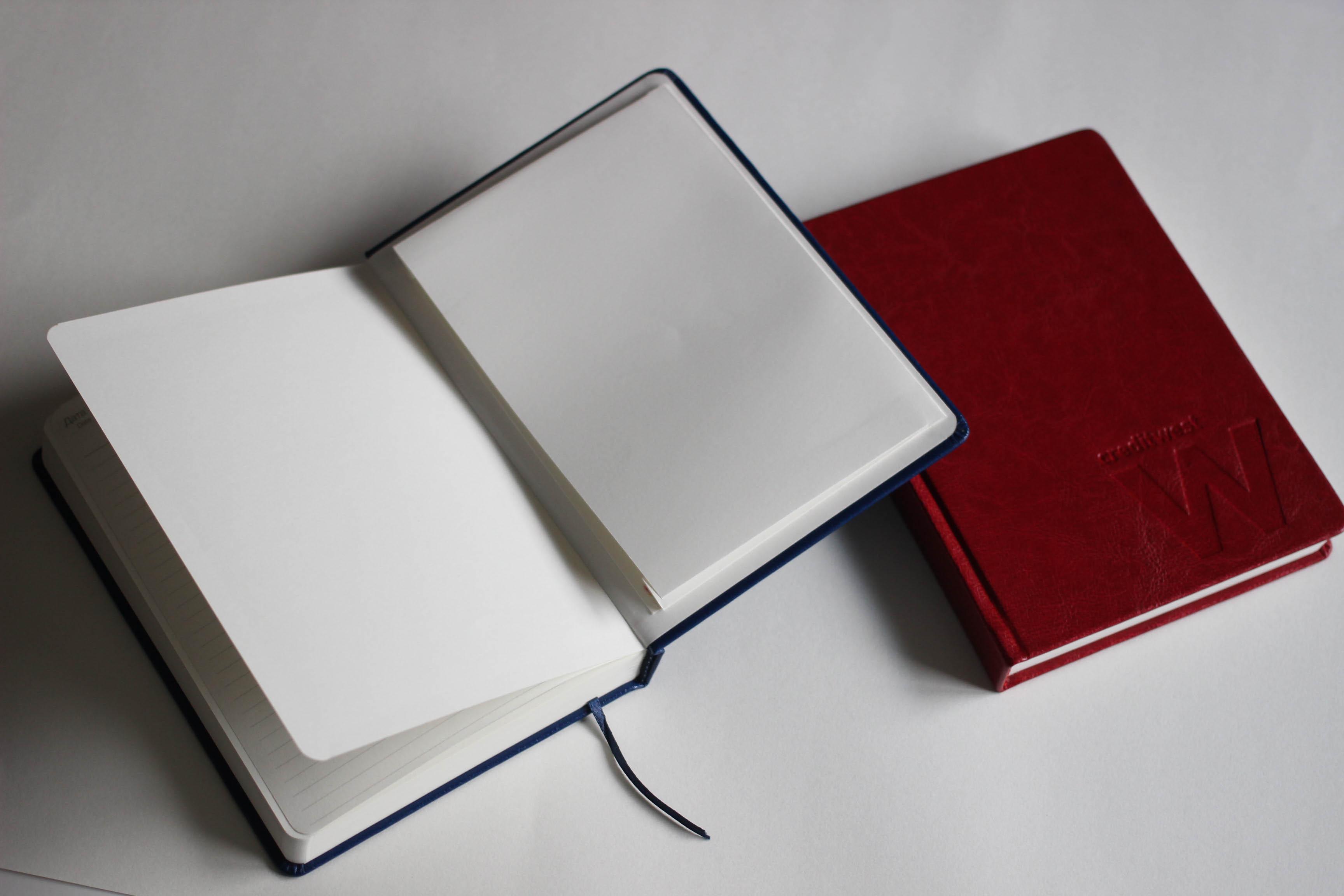 Печать ежедневников с кармашком типография huss