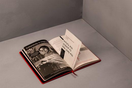 Интересная идея дизайна книги «QUOTES»