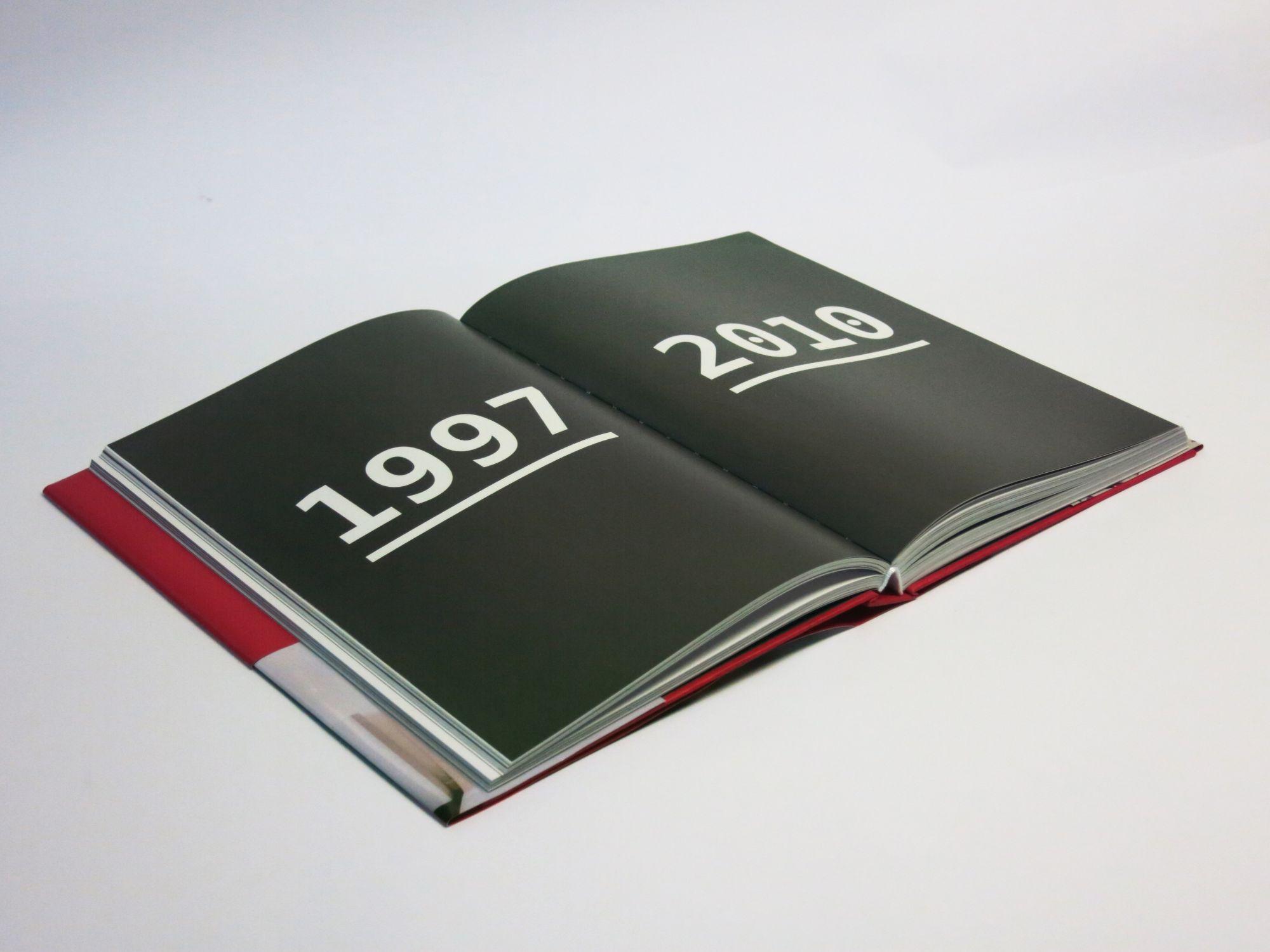 """Книга """"In progress"""" - пример печати от фамильной типографии Huss"""